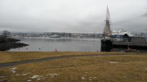 Vor dem Frammuseum. Blick auf Oslo