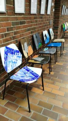 Und hier die hübschen Stühle