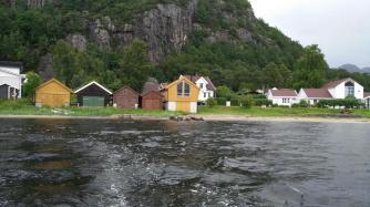 Ich liebe diese bunten Bootshäuser