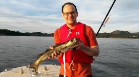 Der erste Fisch vom eigenen Boot