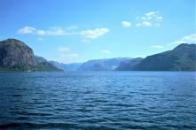 Die letzte Fähre über den Fjord und dann sind es nur noch 8km